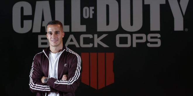 Lucas Vázquez el futbolista del Real Madrid se diviertes en Madrid Games Week conCall of Duty: Black Ops 4