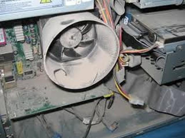 ¿Cómo cuidar una placa base de ordenador? Realiza labores de limpieza