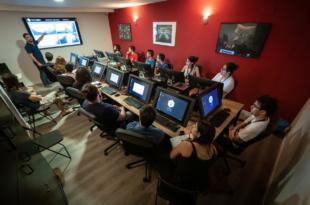 Los alumnos del Máster de PlayStation en Voxel contarán con PS5 como herramienta educativa